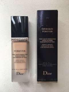 DIORSKIN FOREVER - Everlasting wear pore refining effect