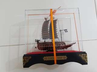 🚚 Turtle Ship Display