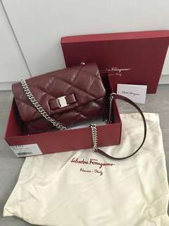 Salvatore Ferragamo shoulder bag - 99% new! Used once only. Original Price - USD1450/HKD12000.   Measurement: 24cm x 16 cm x 8 cm
