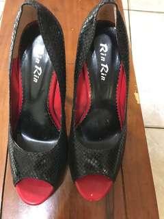 🚚 高跟鞋 23.5 穿過一兩次