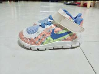 Nike baby shoes Size 4c
