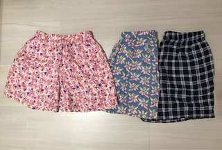 Uniqlo short pants for girl