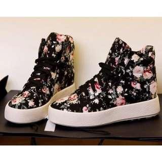 ⭐️Floral Shoes