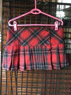 Red & black plaid pleated skirt
