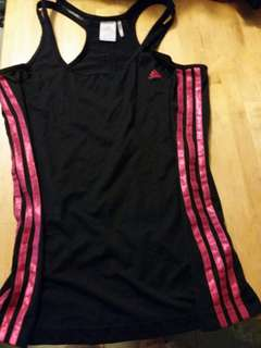 Adidas climalite top.  Size L.  100%真。  95% 新。包平郵。