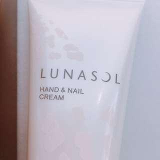 全新 Lunasol Hand Cream