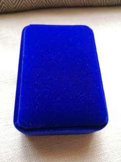 全新頸鏈首飾盒 寶藍色