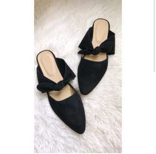 Women's closed shoes