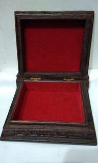 Kotak Perhiasan Ukiran Jawa Antik