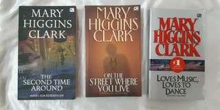 Sepaket  novel Mary Higgins Clark