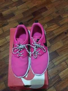 Pre-loved Nike Rosherun (GS)