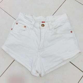 White high waisted denim jeans