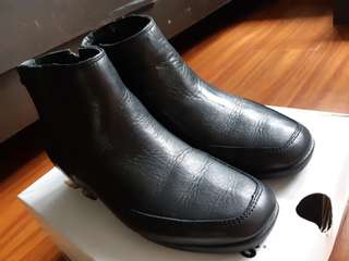 Hush Puppies Leather Black Boots