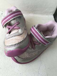 Stride Rite girl shoe