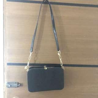 CMG Sling bag