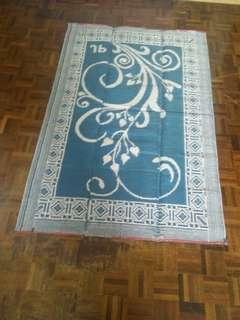 Tikar plastik ( plastic carpet )