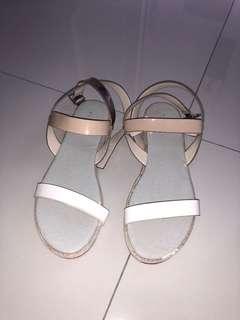 Vincci sandal putih cream sendal