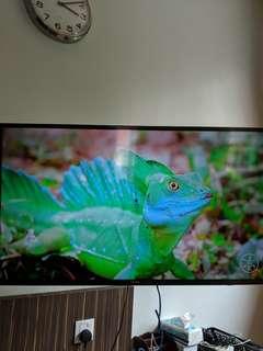 """Samsung 4K 40"""" Smart TV UA40JU6000"""