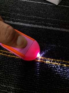 HK$5/1PC ~ 全新LED電筒 手機屏幕清潔布  New LED Flashlight Electric Torch Mobile Screen Cleaner