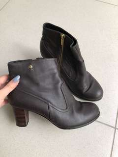 Boots bonia coklat leather heels wedges