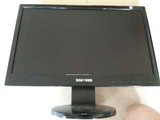 "Samsung SyncMaster 943 SNX Plus 18.5"" LCD Monitor. VGA interface. USED. PRICE FINAL."