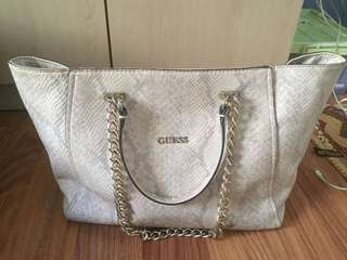 Tas guess ori preloved