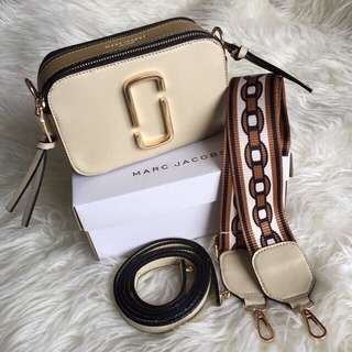 MARC JACOBS Snapshot Textured-Leather Shoulder Bag Premium Quality