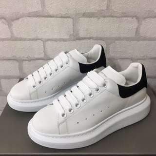 🚚 閣の時尚~全新真品~ ALEXANDER MCQUEEN 白色 黑色尾休閒鞋