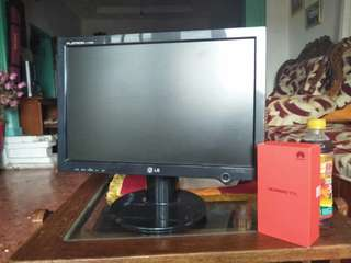Monitor LG Flatron L177WSB ( no minus )
