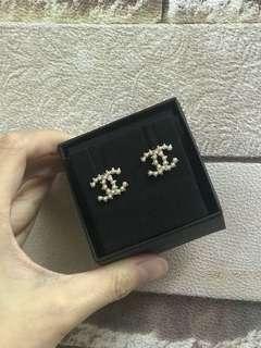 Chanel Earrings 耳環 earings 耳針款 搶眼 珍珠 two tone
