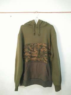 Hoodie pull and bear not h&m,bape,supreme,champion