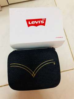 Levi's watch cartoon tone