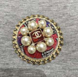Chanel Brooch in Pearls and Tweed
