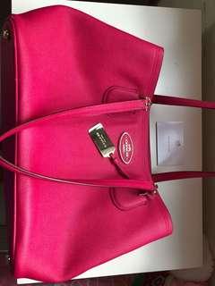 Coach 粉紅袋
