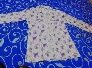 Jual rugi baju atau kemeja wanita merek request basic dept ukuran m