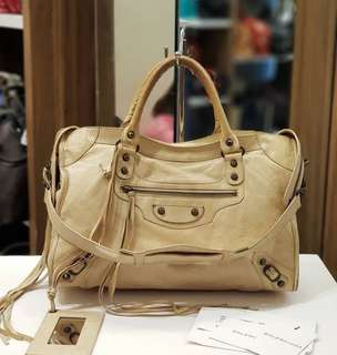 Balenciaga City Beige ❤️BIG SALE P21k ONLY❤️ In good condition Swipe for detailed pics Cash/card/layaway accepted