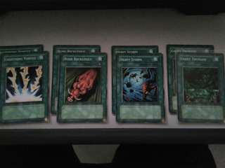 Yu-Gi-Oh Spell Cards (English Edition)