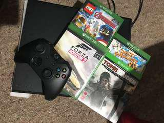 Xbox one 1tb (Controller & 4 games)
