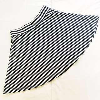 [PRE-LOVED] ♥️ H&M Striped Skater Skirt