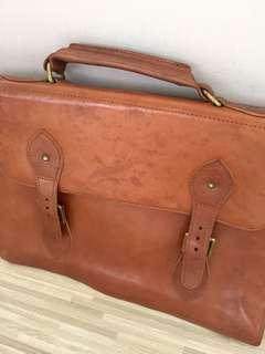 SALE !! Vintage Brown Leather Brief Case / Bag. For Sale or Rental