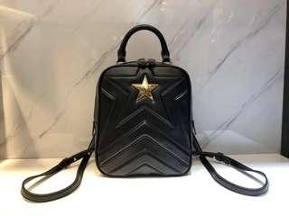 Stella McCartney 2018夏季最新Stella Star 五角星兩用雙肩包,可雙肩背也可斜挎,尺寸:17*8.5*21cm, $3900 保證100%Real
