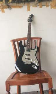 Electric guitar legacy senar msh bagus bodynya juga 98% mulus