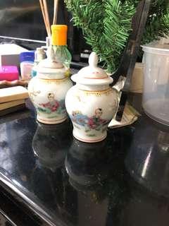 Dainty porcelains