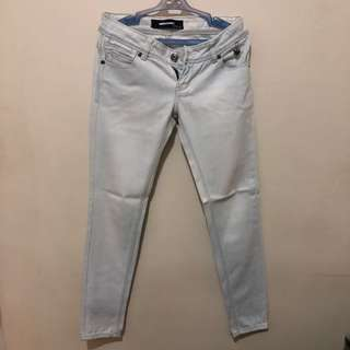 Faded Maong Jeans