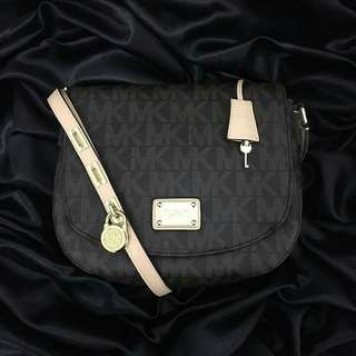 Mochael kors Authentic Quality Sling Bags