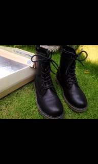 Ollie Boots (Black)
