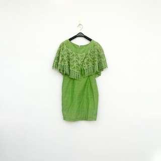二手 華麗登場 綠色 蕾絲薄紗披肩領 背心 洋裝 明太子 624