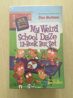 🚚 Brand New My Weird School Daze 12 Book Box Set