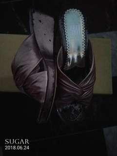 🚚 銀灰涼鞋(請出價)