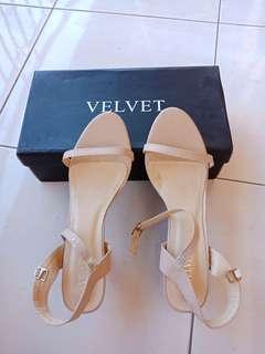 Velvet heels nude
